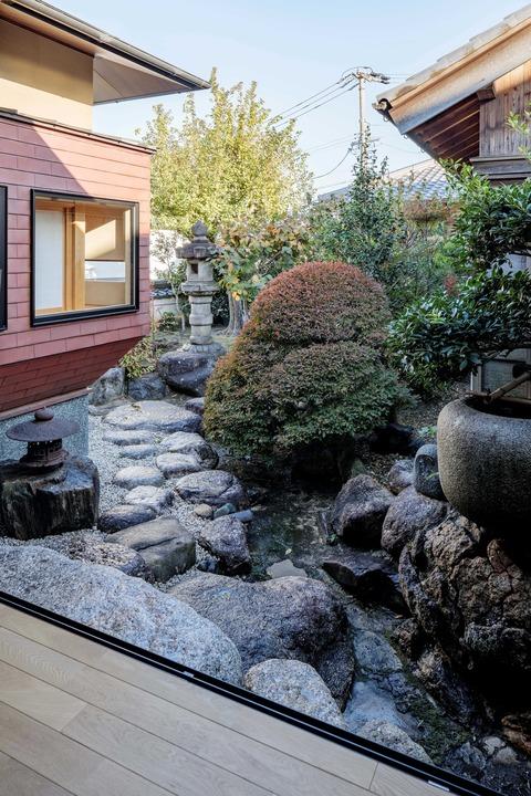 005.廊下より庭園を望む(3)