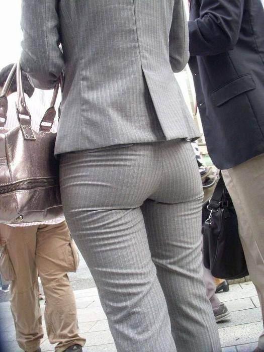 【画像】女という制服をピッチピチに着こなす生き物www