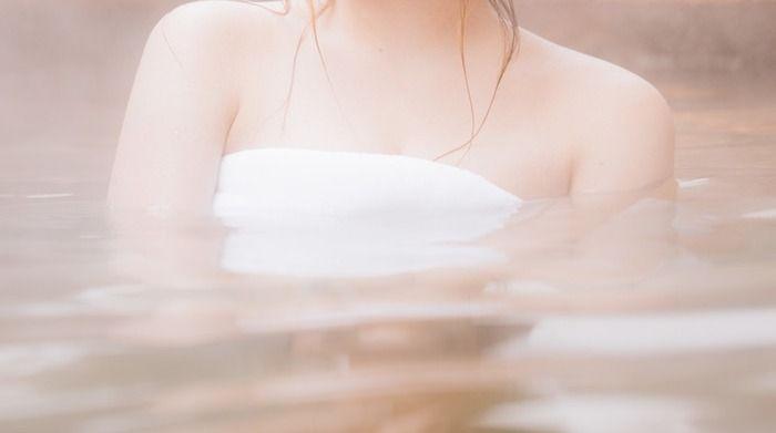 【驚愕】初めて混浴温泉行った結果wwwwwwww