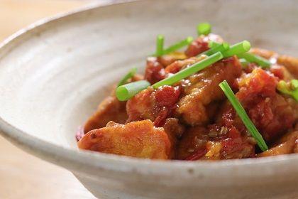 9月 厚揚げの肉詰トマト煮込み