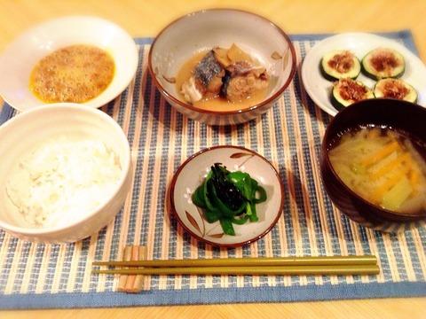 【簡単レシピ】ズッキーニのマヨ焼き・ピーマンの塩昆布和え