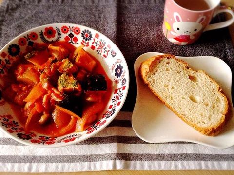 【簡単レシピ】かぼちゃと鶏肉のトマト煮