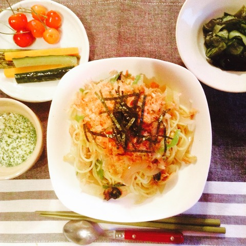 【簡単レシピ】小松菜とツナの和風パスタ