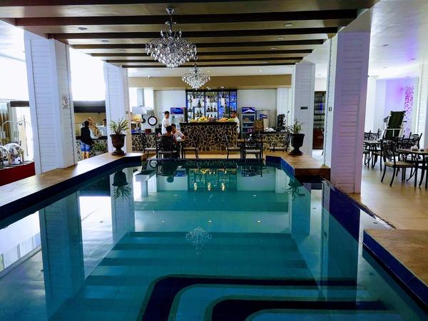ベルガモホテルの1泊料金は1,450ペソ(朝食含む)