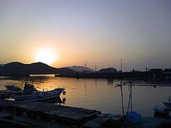 安下庄港の朝日