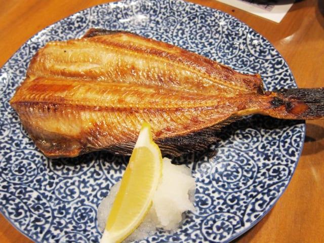 マッマ「今夜は焼き魚よー」ワイ「鮭かな、鯖かな(階段ドタドタドタ)」