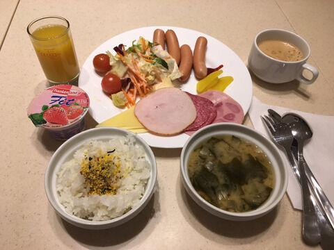 【ウメー】激安6000円のビジネスホテルの朝食がこれwwwwwwww(画像あり)