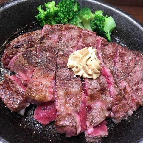 【超レア】こういう全然焼けてない肉って食えるの?(画像あり)