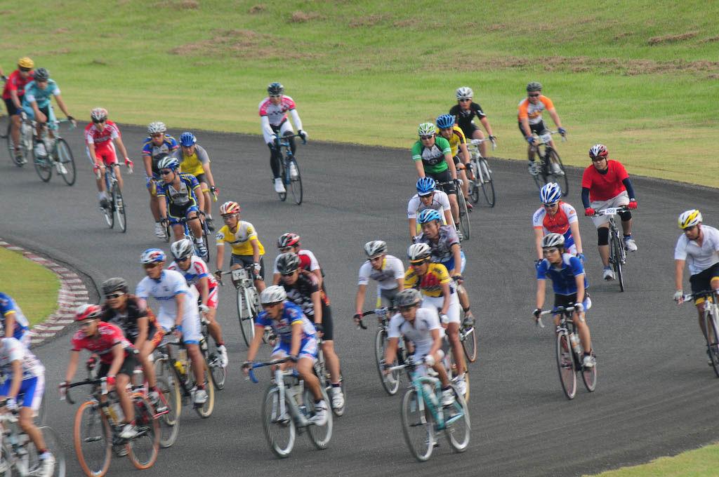 SPA直入自転車4時間耐久レース :...
