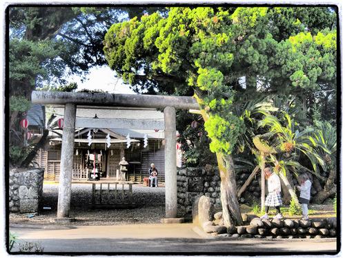 優婆夷宝明神社