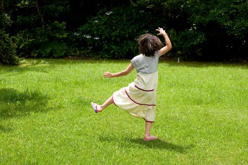 公園で踊る