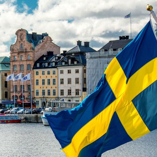 スウェーデン「5年以内に完全キャッシュレス社会にするぞおおおおおおお!」