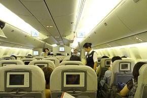 男A「危険物が入ってる」 CA「は?」 男B「爆弾w」→飛行機引き返し遅延、男2人逮捕…福岡