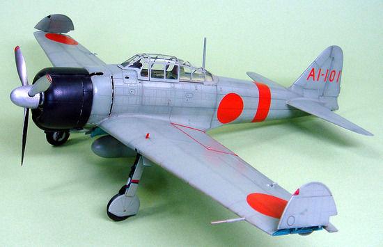 【画像】日本軍とアメリカ軍の艦上戦闘機を比較した結果wwwwww