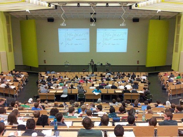 ハーバード教授「大学が講義をインターネット配信しないのは経済的損失だ。だが提案すると抵抗される」