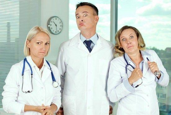 薬剤師「はぁ...暇だなぁ」←年収600万 医者「死ぬ...でもワイが休んだら患者も死ぬ」←年収1000万