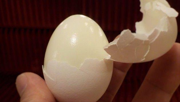 ゆで卵の殻が全然きれいに剥けないんだけど