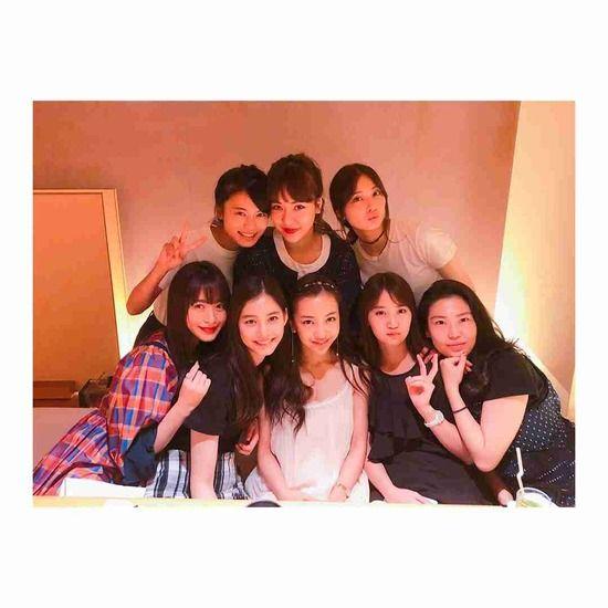 【画像】板野友美の誕生日に豪華メンバー集結www