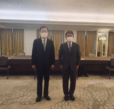 【日韓】国旗すらなかった外相会談、韓国ネットに不満の声