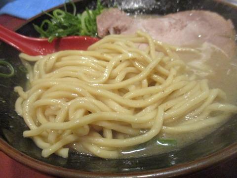 16 ら~めん 豚鬼 楽描製麺