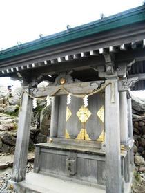 御前峰頂上の神社