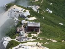 ⑫頂上よりの駒峰ヒュッテ