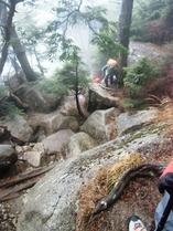 ②-1 岩場の登山道