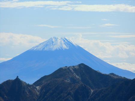 明けましておめでとう御座います(甲斐駒ケ岳よりの富士山)