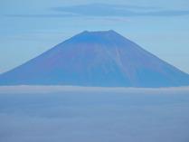 ⑩赤みを帯びた富士山
