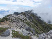 ⑩南駒ケ岳へほ稜線
