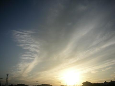 朝の五時前の空