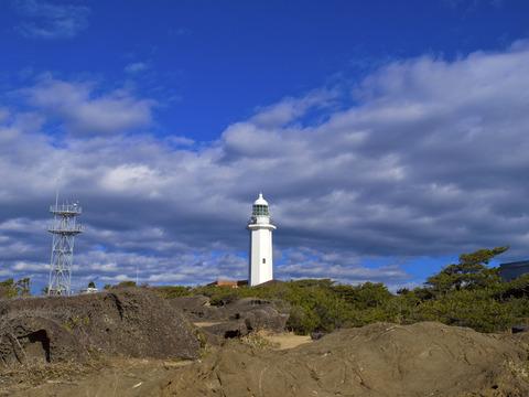 野島埼先端から見た野島埼灯台