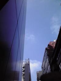 0708銀座三丁目から見える青空