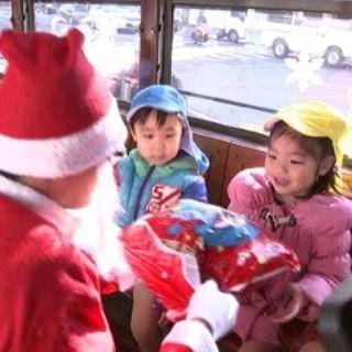 岡山電気軌道がクリスマス電車sd
