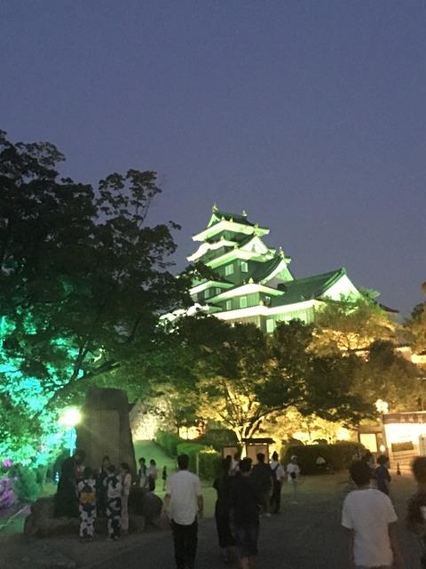 夏 岡山城