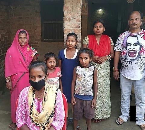 インド 15歳少女が父を乗せ自転車で1200キロ00