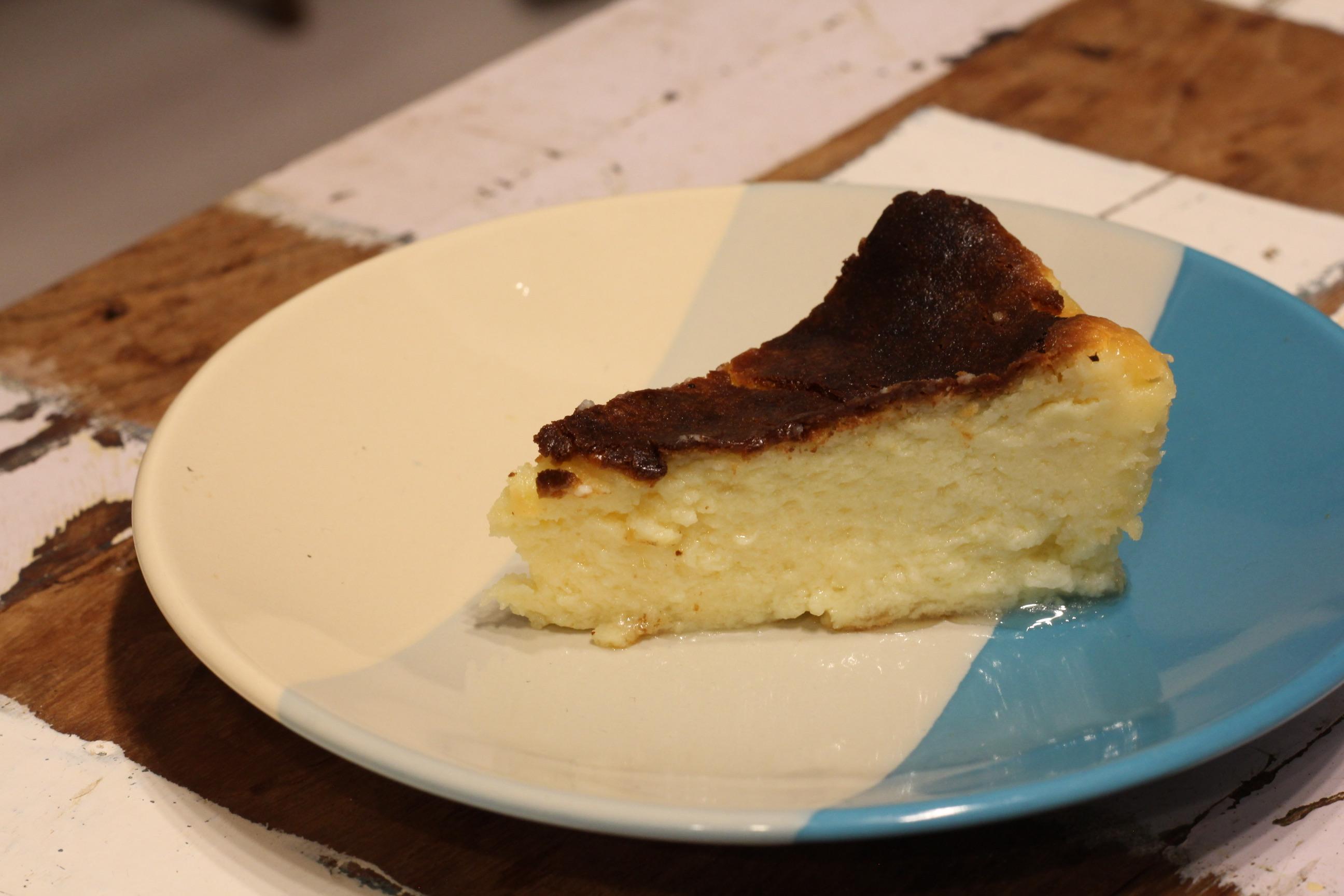風 ケーキ バスク チーズ