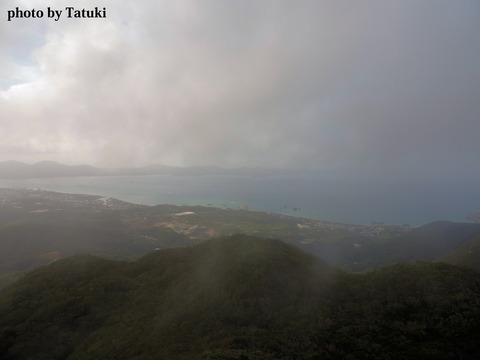 嘉津宇岳からの風景