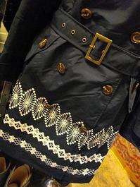 刺繍調のプリントデザイン *