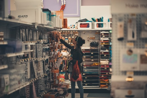 busy-commerce-female-1727684
