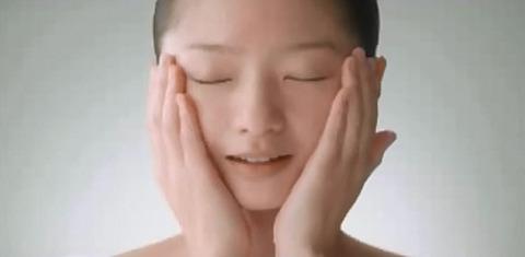 岡田茉奈 ケシミン液 CM