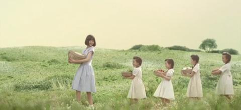 玉城ティナ キユーピー バターミルクランチドレッシング CM