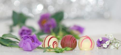 chocolates-563382_1280