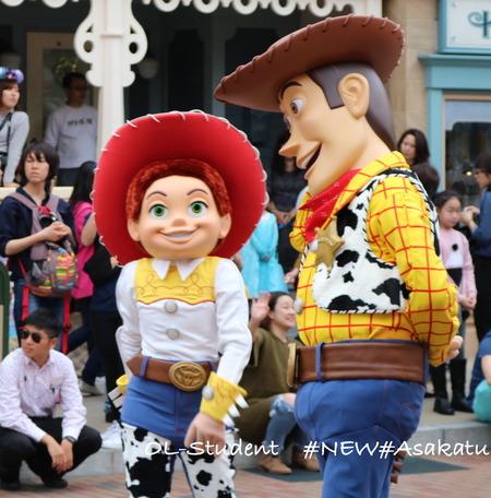 香港ディズニー おかしなパレード ジェシー&ウッディー 仲良しか