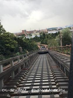 上海ディズニーランド 乗り物 雷鳴山漂流 コースター