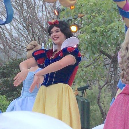 香港ディズニー おかしなパレード 白雪姫