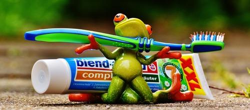 toothpaste-1446127_1280