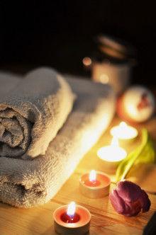 https://www.pexels.com/photo/love-romantic-bath-