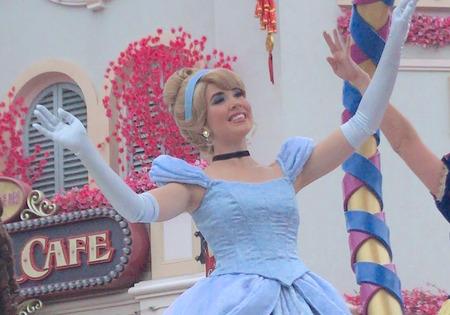 香港ディズニー おかしなパレード シンデレラ