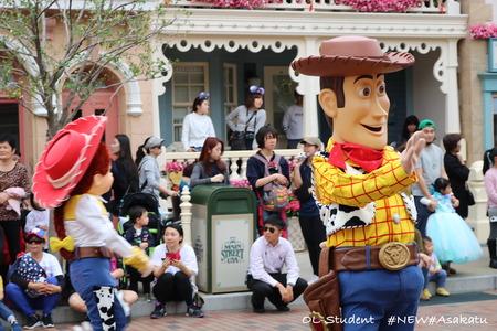 香港ディズニー おかしなパレード ジェシー&ウッディー
